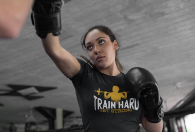 woman-sparring-at-the-gym-while-wearing-custom-sportswear-mockup-a16832